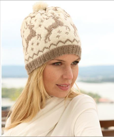 Мужская шапка с оленями, как правило, бывает куполообразной вязаной зимней шапочкой из шерсти или трикотажа